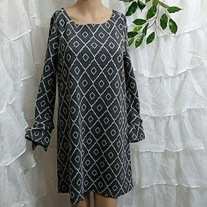 New LOFT Long Sleeve Stretchy Print Dress Q25